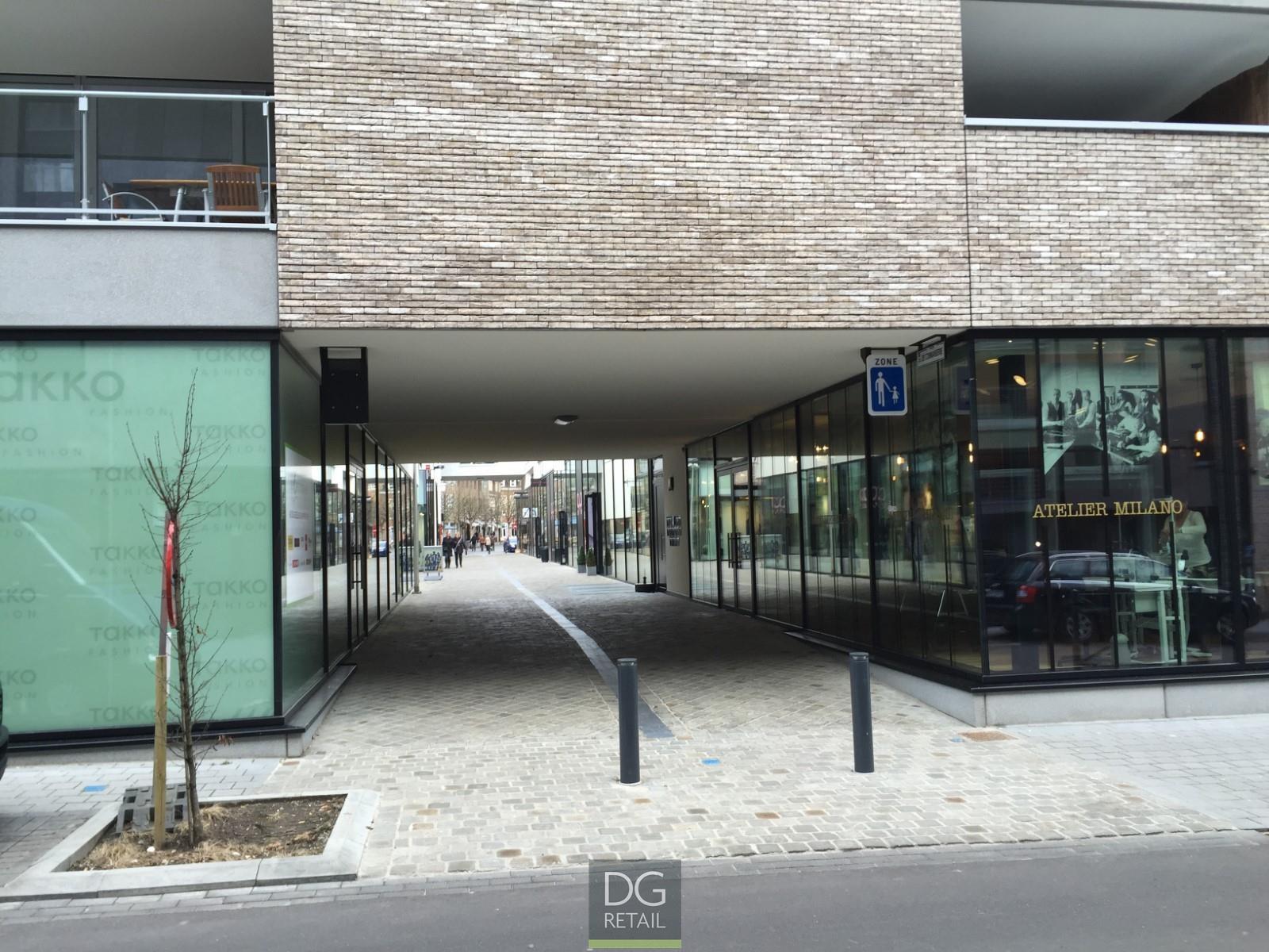 commercieel centrum te huur Unit 16 -  12