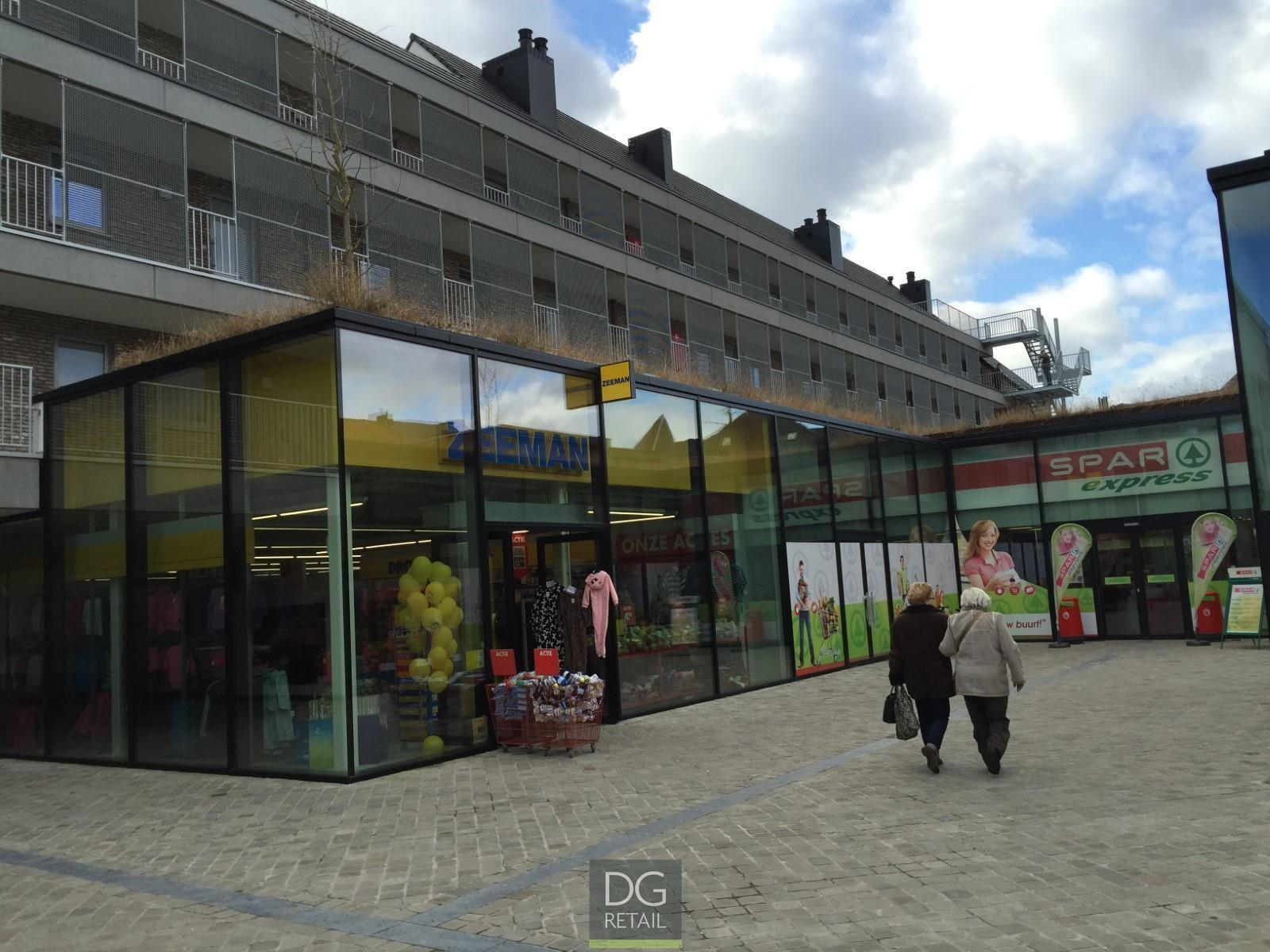 commercieel centrum te huur Unit 16 -  6