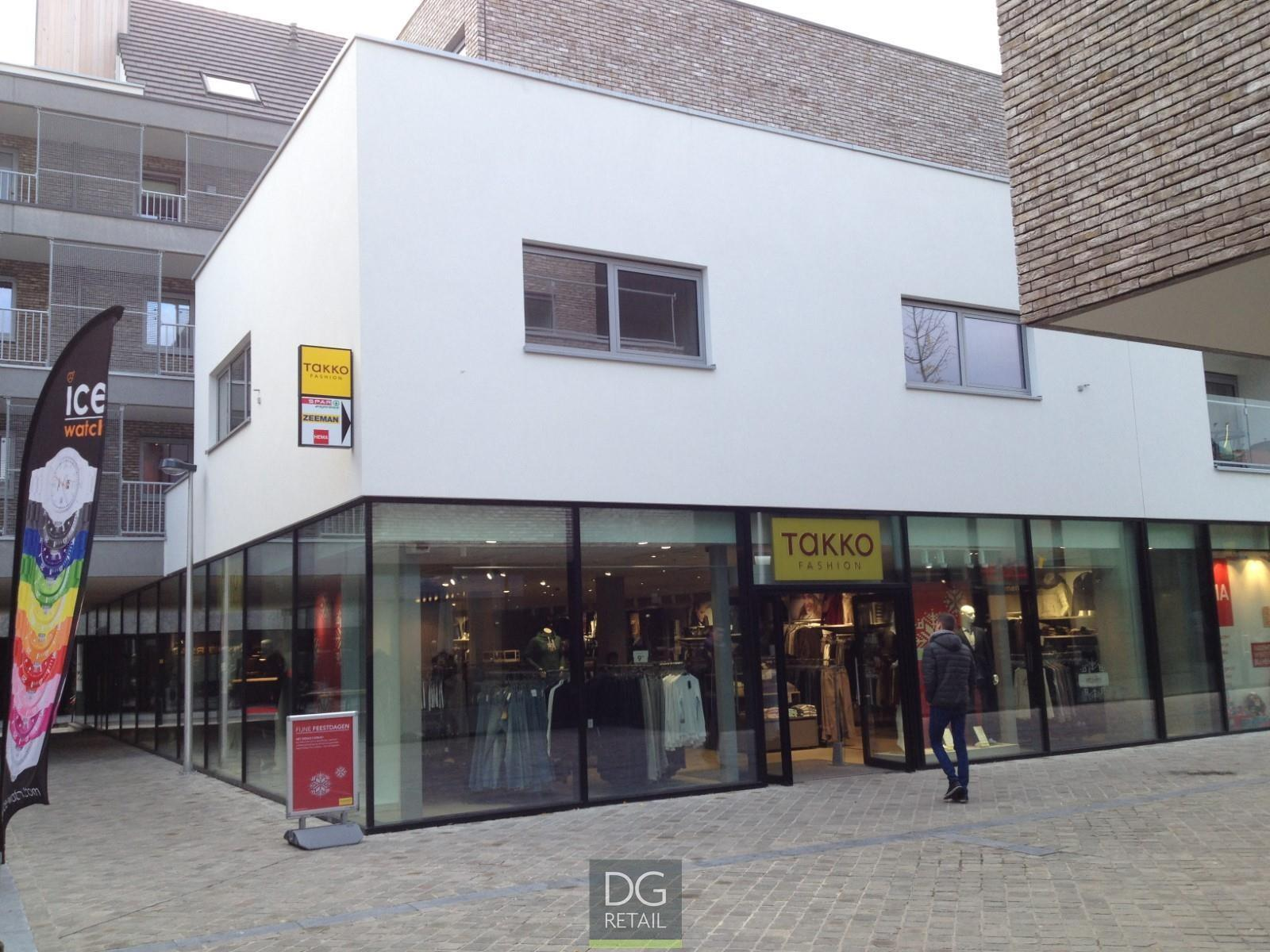 commercieel centrum te huur Unit 16 -  4