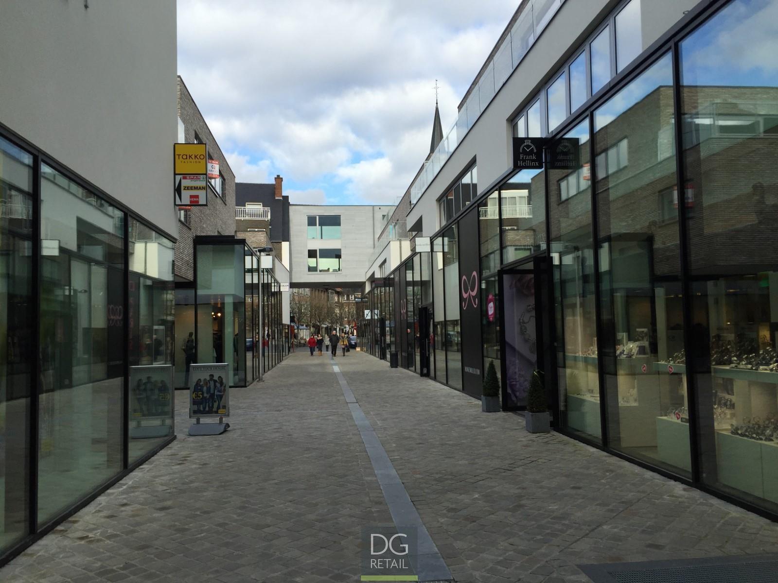 commercieel centrum te huur Unit 16 -  9