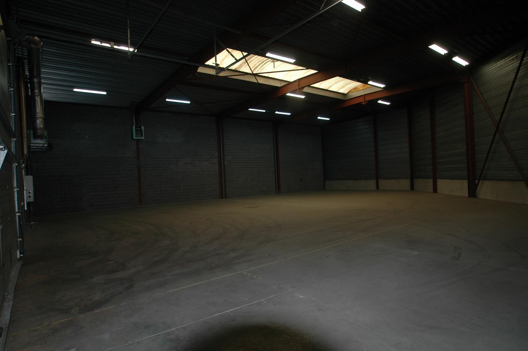 KMO-unit te huur KMO UNIT 442m² (+ SANITAIR) - 2630 Aartselaar, België 4