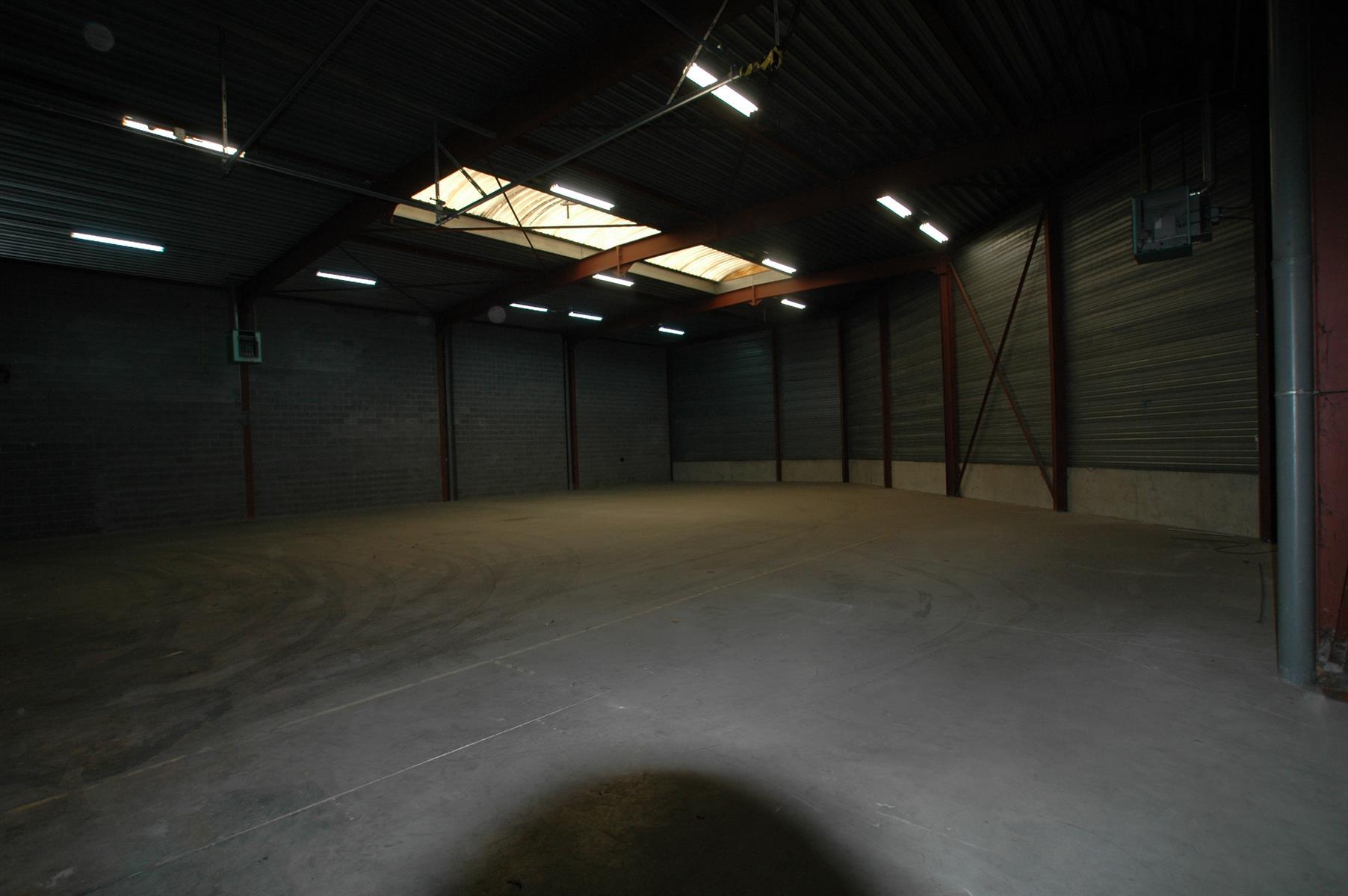 KMO-unit te huur KMO UNIT 442m² (+ SANITAIR) - 2630 Aartselaar, België 3