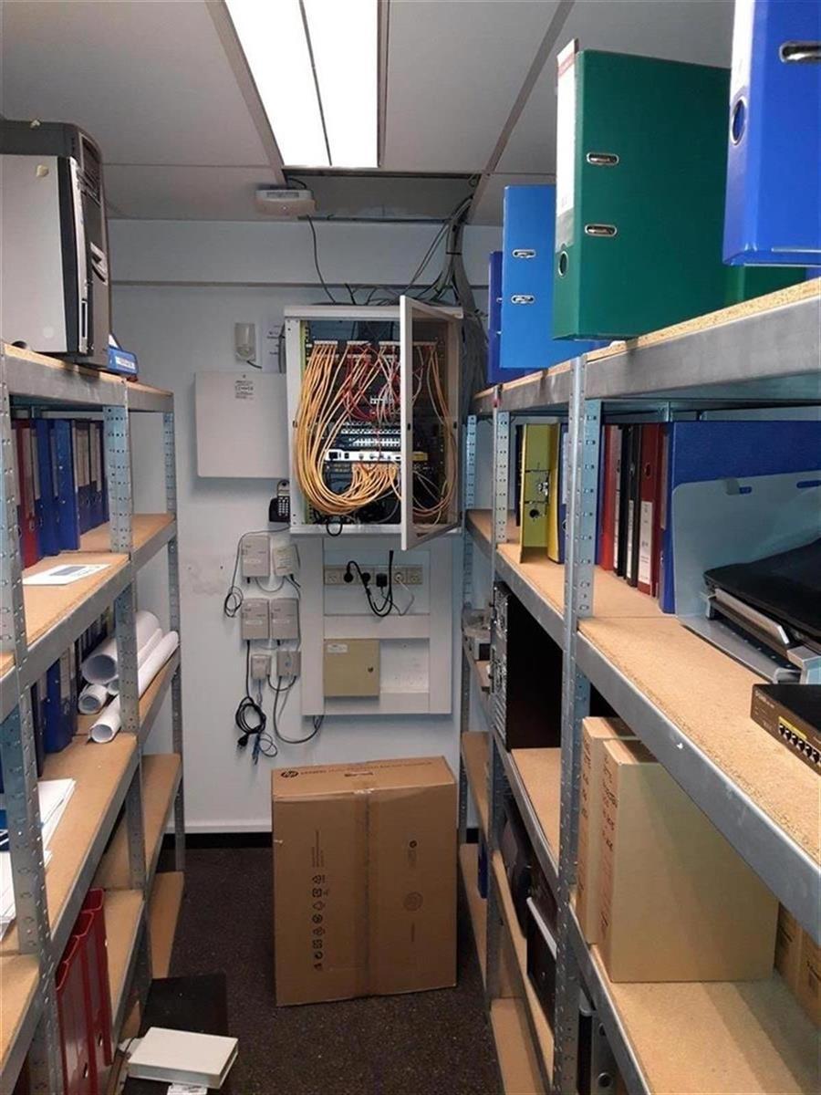 kantoren & magazijn te huur Kantoor 139m² en Magazijn 177m² - 2540 Hove, België 13