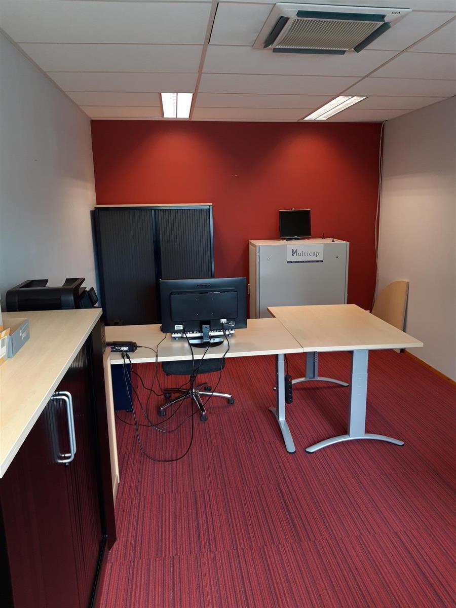 kantoren & magazijn te huur Kantoor 139m² en Magazijn 177m² - 2540 Hove, België 16