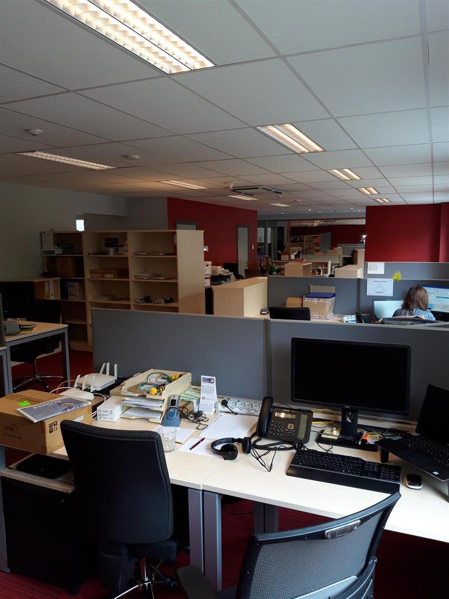 kantoren & magazijn te huur Kantoor 139m² en Magazijn 177m² - 2540 Hove, België 14