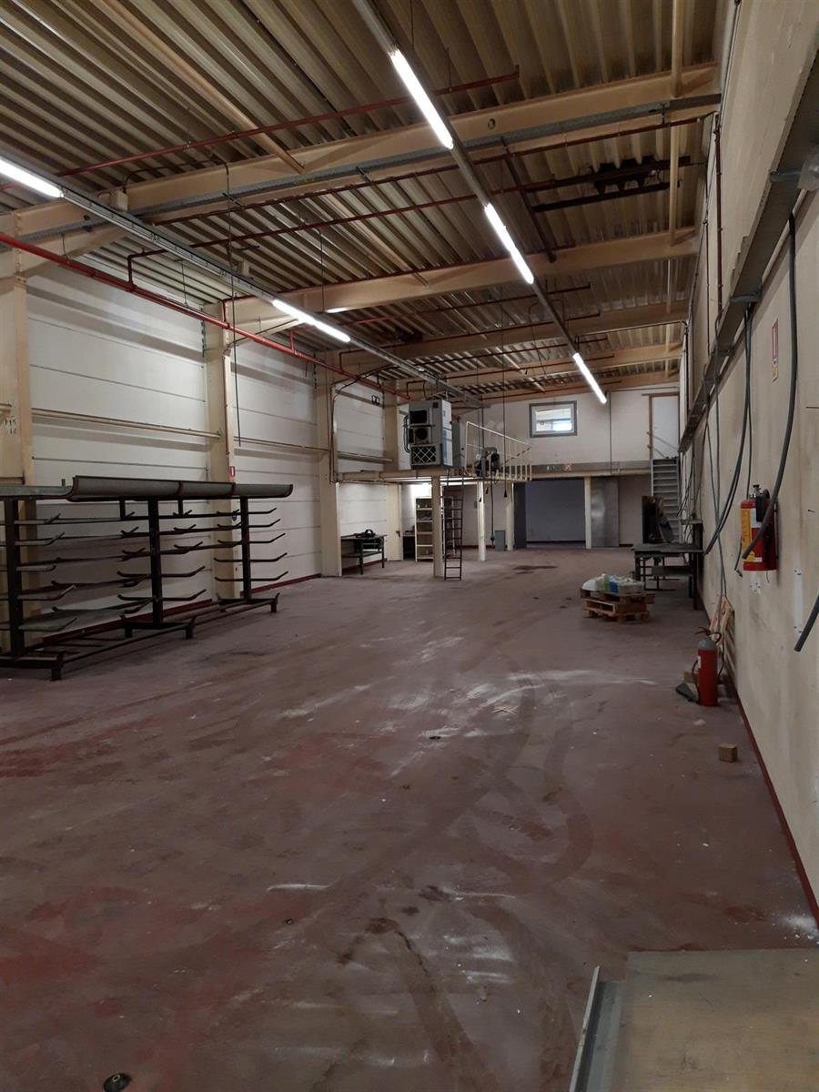KMO-unit te huur Kruibeke - Bazelstraat TE HUUR / TE KOOP 159m² tot 1233m² - 9150 Kruibeke, België 8