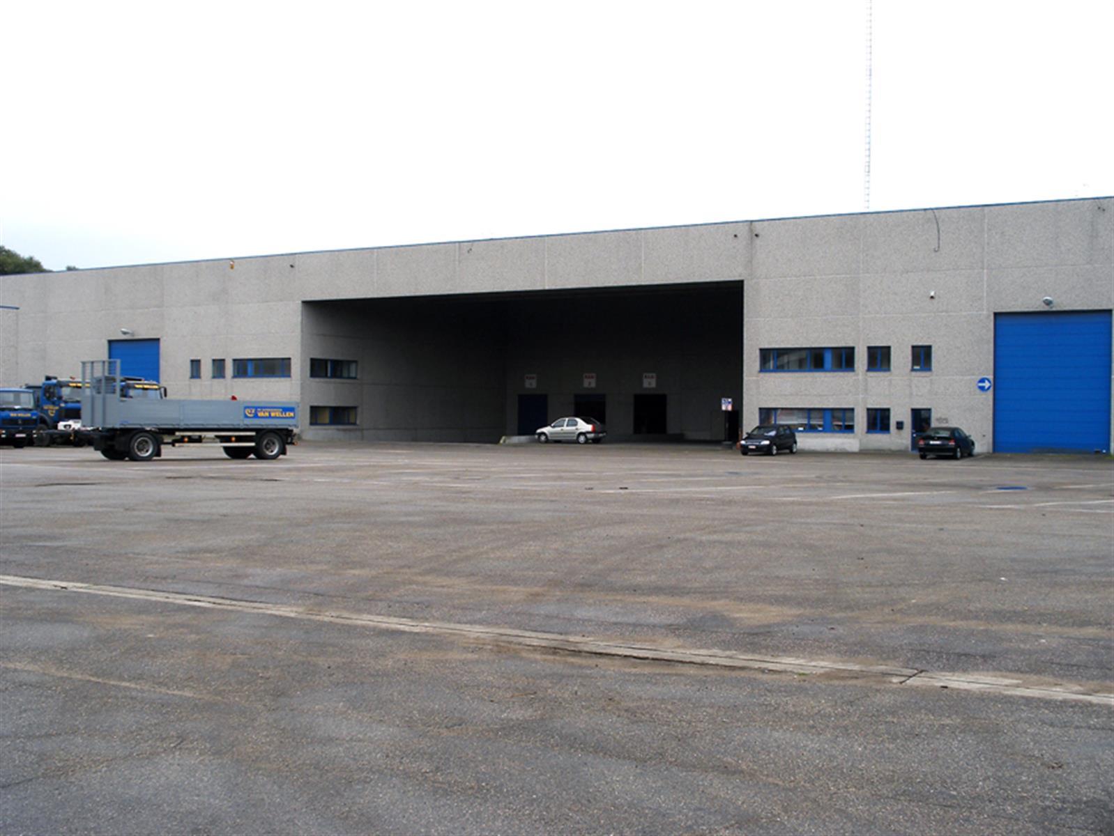 industrieel gebouw te huur KMO UNIT 1620m² MEERDERE LOADING DOCKS te KAPELLEN (B002) 1640m² - 2950 Kapellen, België 7