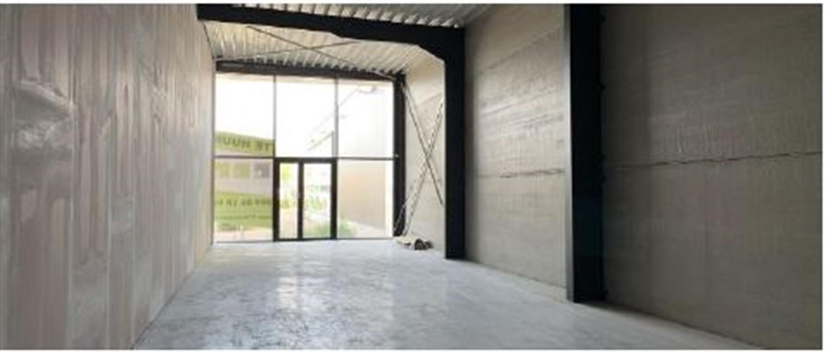 opslagplaats te huur Opslagruimte Handelsruimte Te Huur - 3630 Maasmechelen, België 5