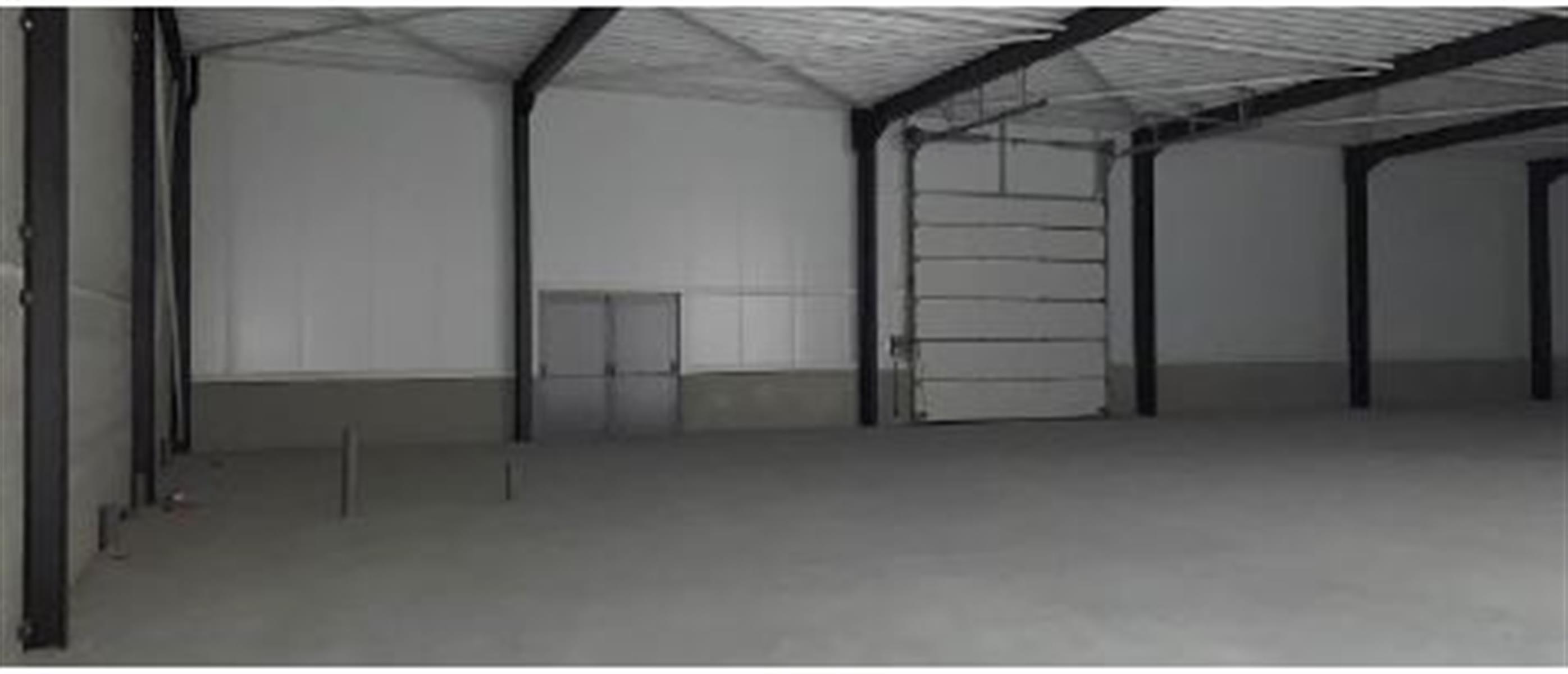 opslagplaats te huur Opslagruimte Handelsruimte Te Huur - 3630 Maasmechelen, België 4