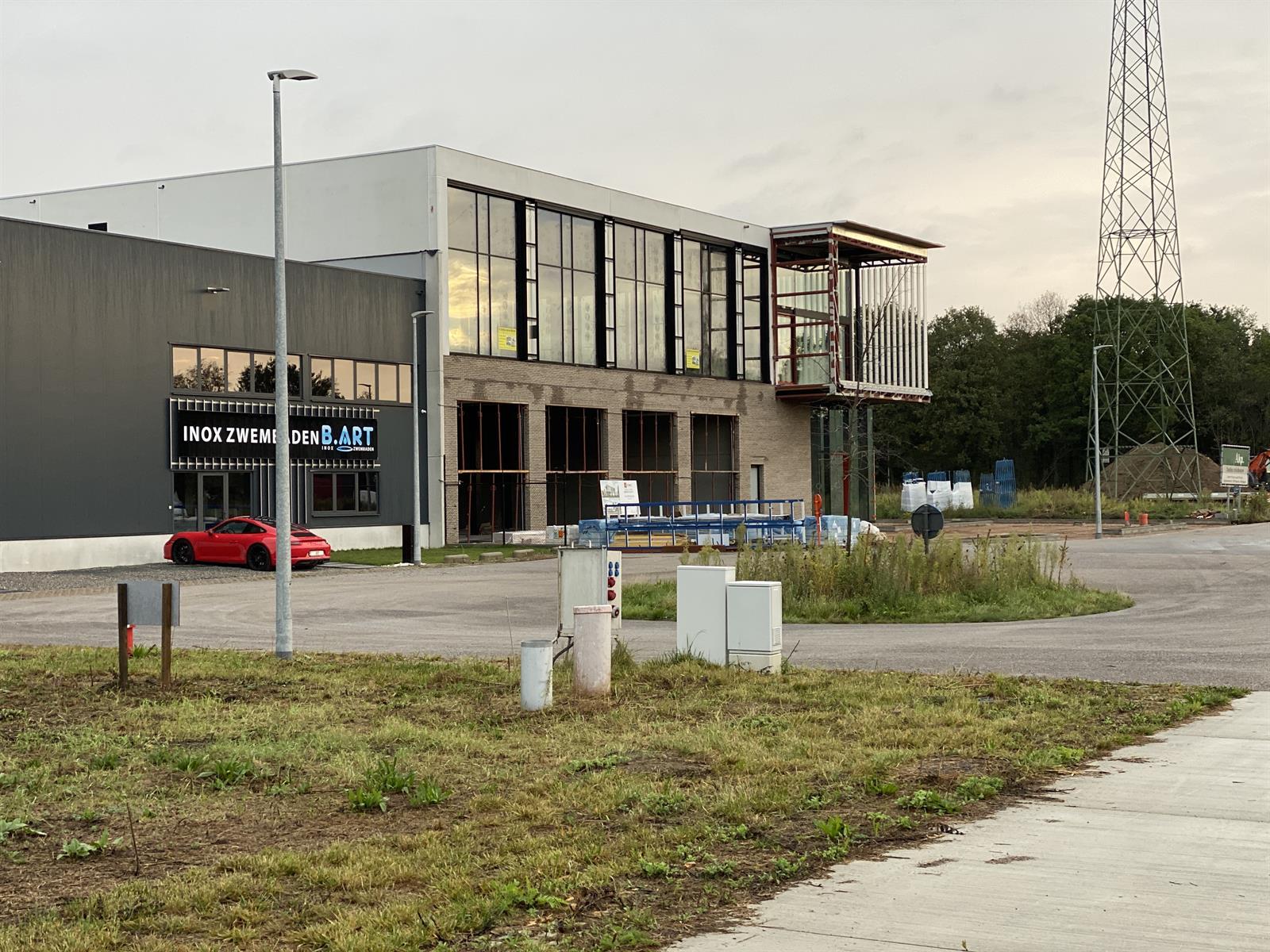 industrieel gebouw te huur NIEUWBOUW KMO UNIT/KANTOOR MET MAGAZIJN/806m²) - 3200 Aarschot, België 2