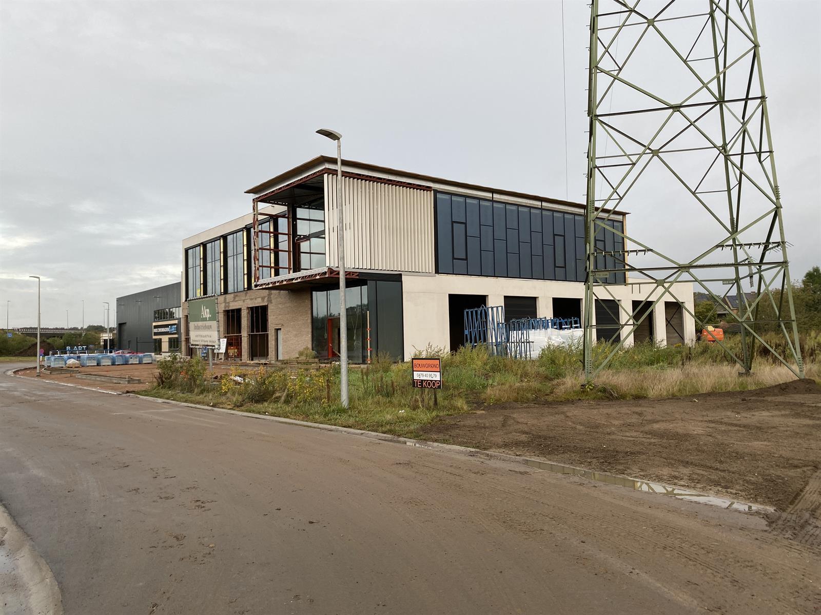 industrieel gebouw te huur NIEUWBOUW KMO UNIT/KANTOOR MET MAGAZIJN/806m²) Herseltsesteenweg 1
