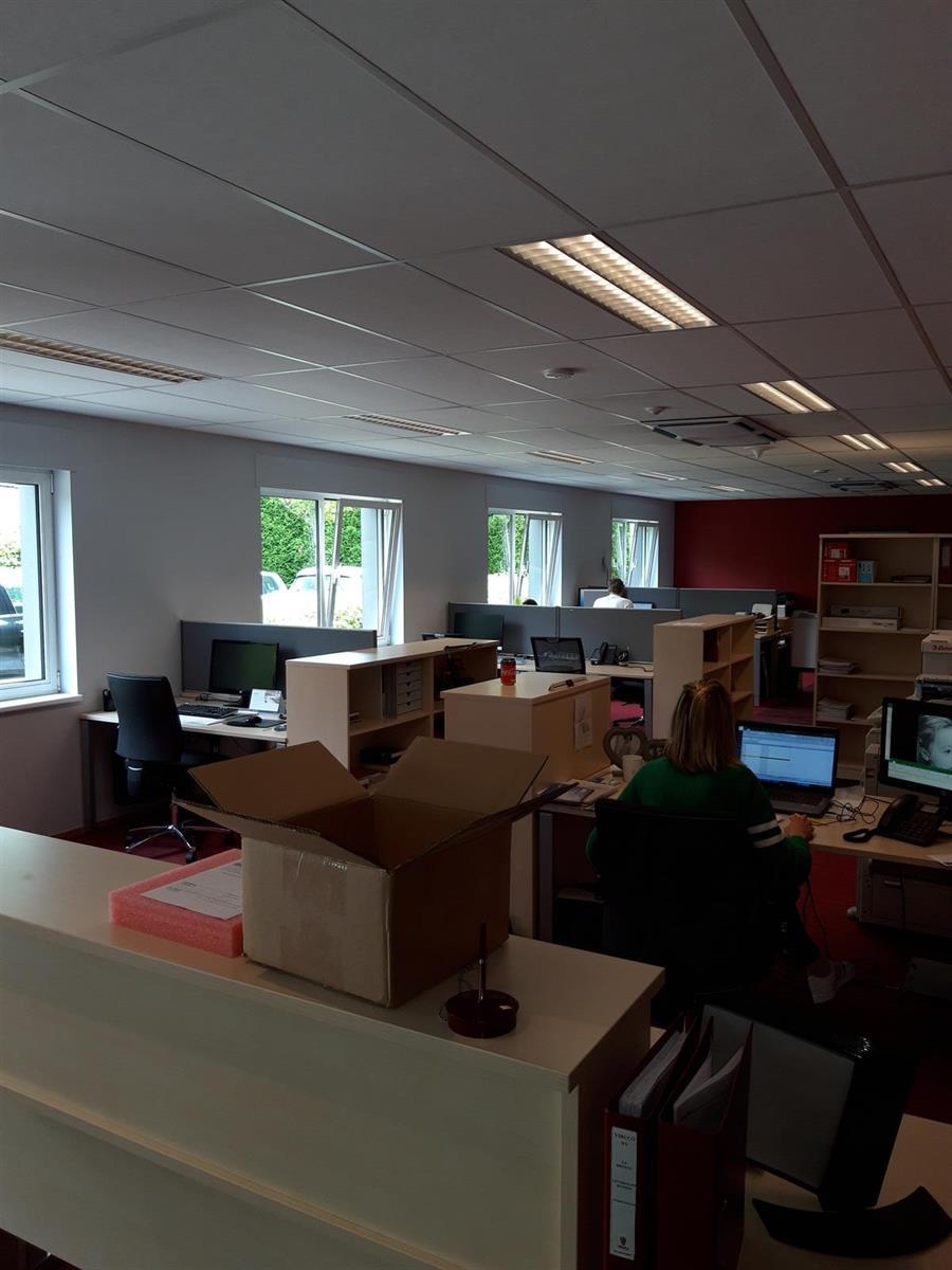 kantoor te huur Kantoor 139m² met Magazijn 177m² (Opsplitsbaar) - 2540 Hove, België 22