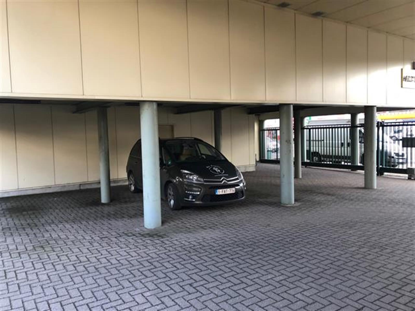 kantoren & magazijn te huur VV2004 - Kantoor en magazijnruimte - Autolei 273, 2160 Wommelgem, België 3