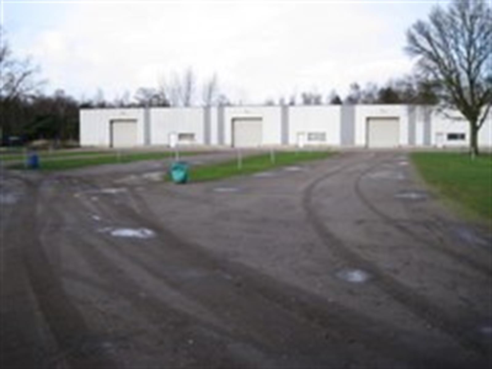 KMO-unit te huur KMO UNIT industriezone BOSDUIN - Essensteenweg 4, 2950 Kapellen, België 1