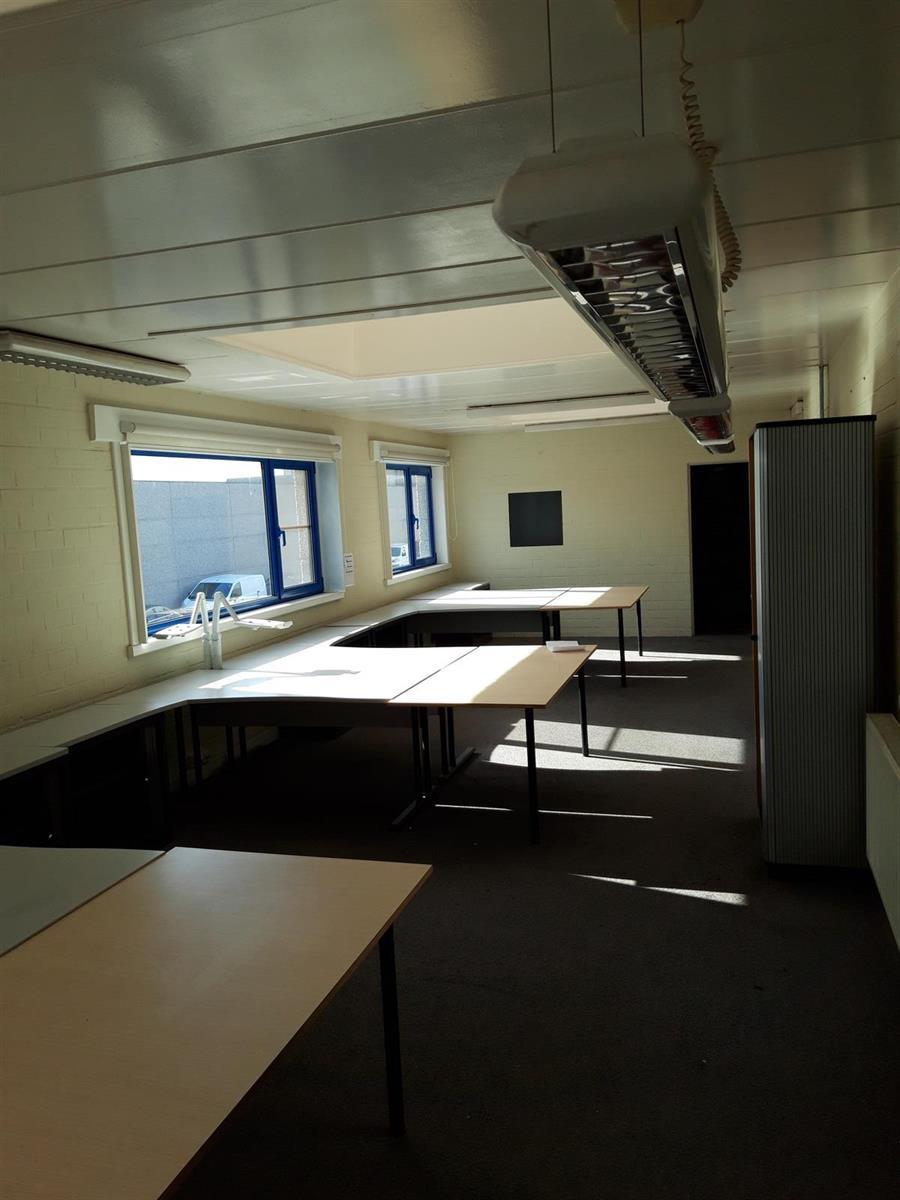KMO-unit te huur VV2005 Magazijn 30BC - 2320 Hoogstraten, België 17
