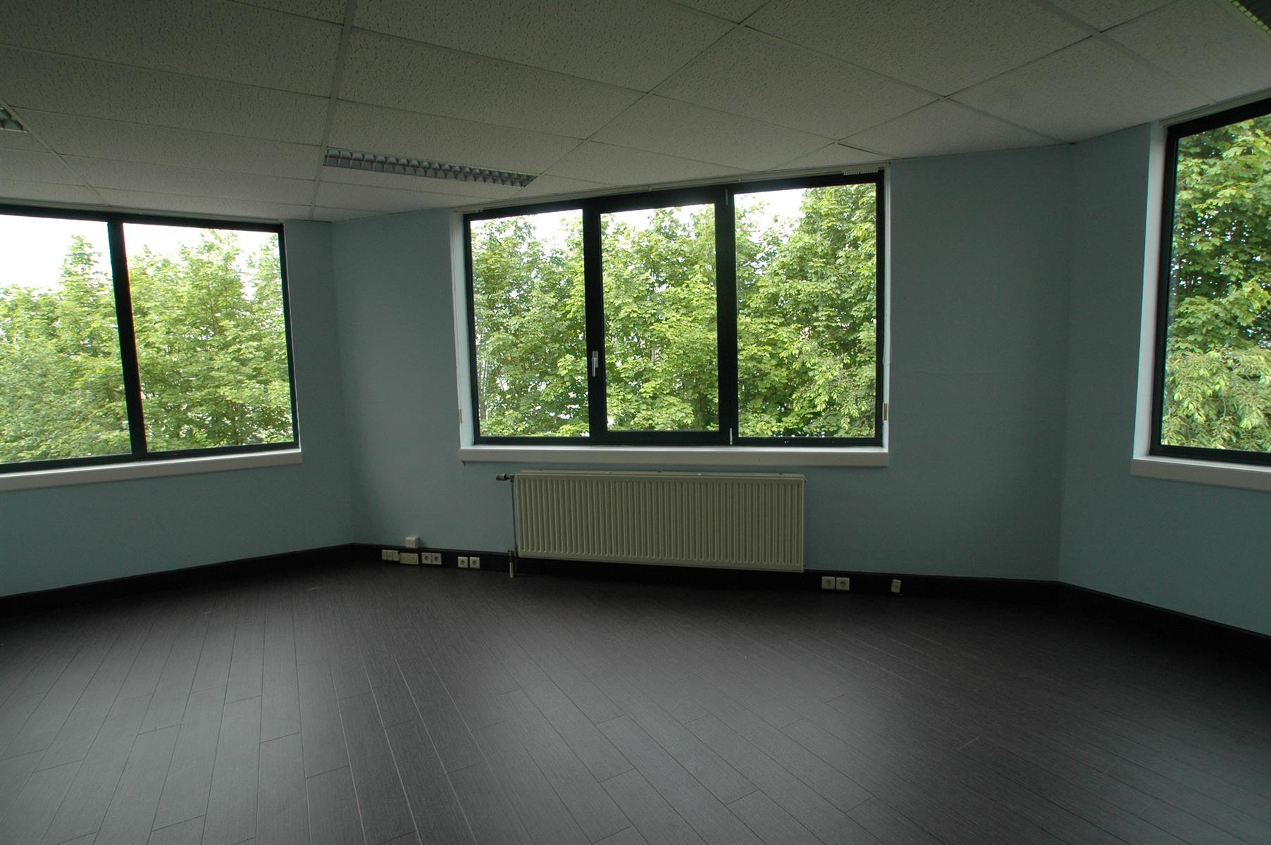 gebouw voor gemengd gebruik te huur UNIT H : MAGAZIJN 547m² MET KANTOOR 288m² - Ingberthoeveweg 3, 2630 Aartselaar, België 7