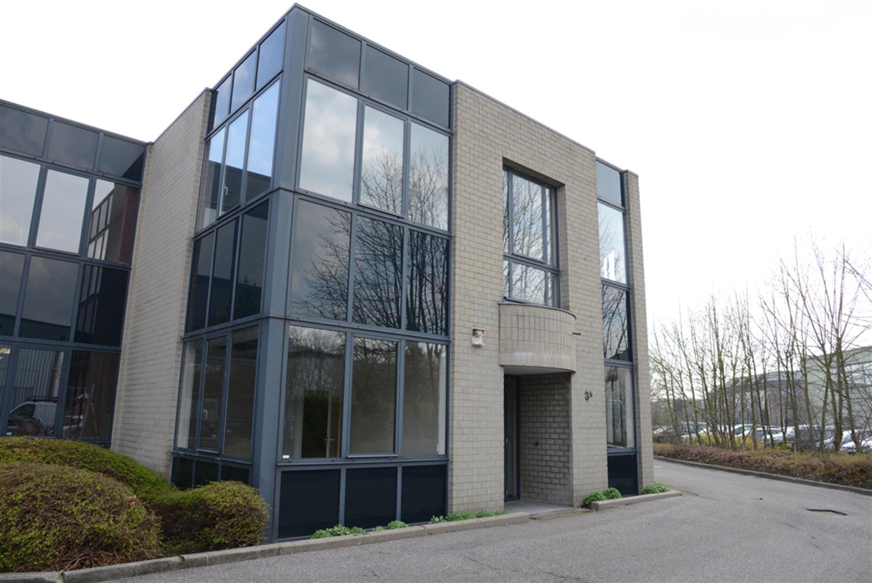 gebouw voor gemengd gebruik te huur UNIT H : MAGAZIJN 547m² MET KANTOOR 288m² - Ingberthoeveweg 3, 2630 Aartselaar, België 2