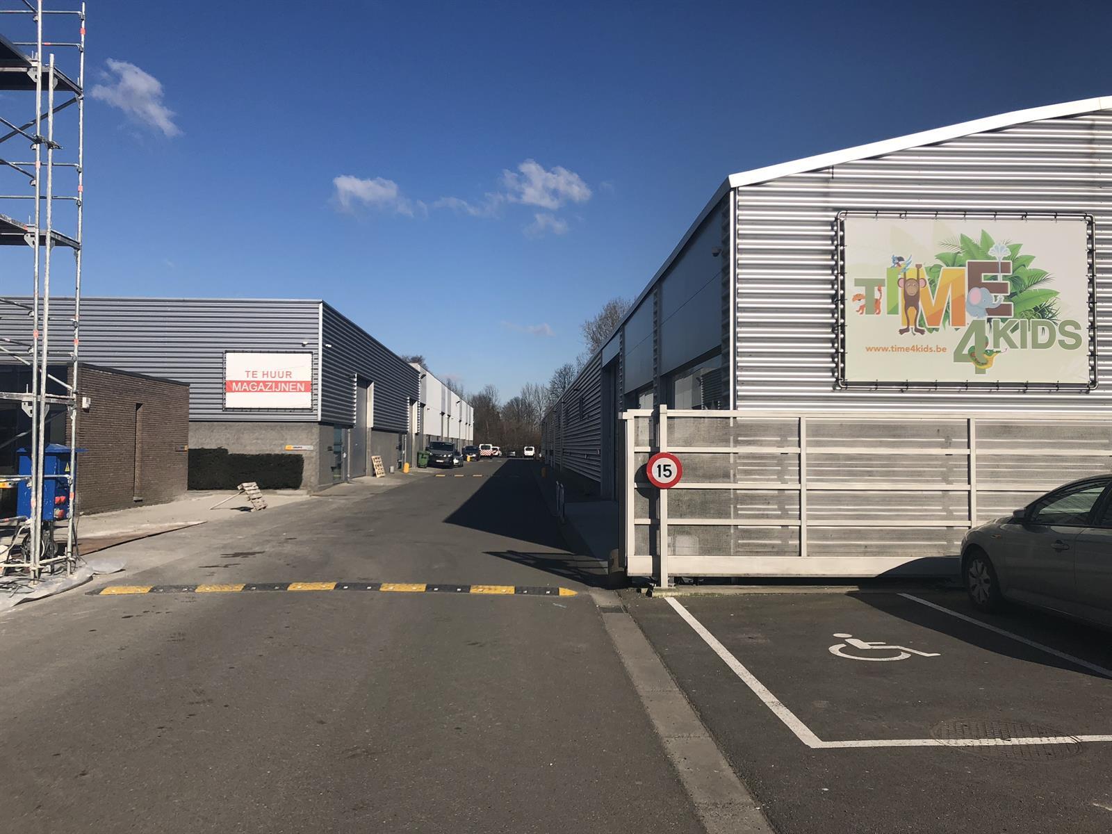 KMO-unit te huur UNIT 16 - Gentsesteenweg  117, 9160 Lokeren, België 7