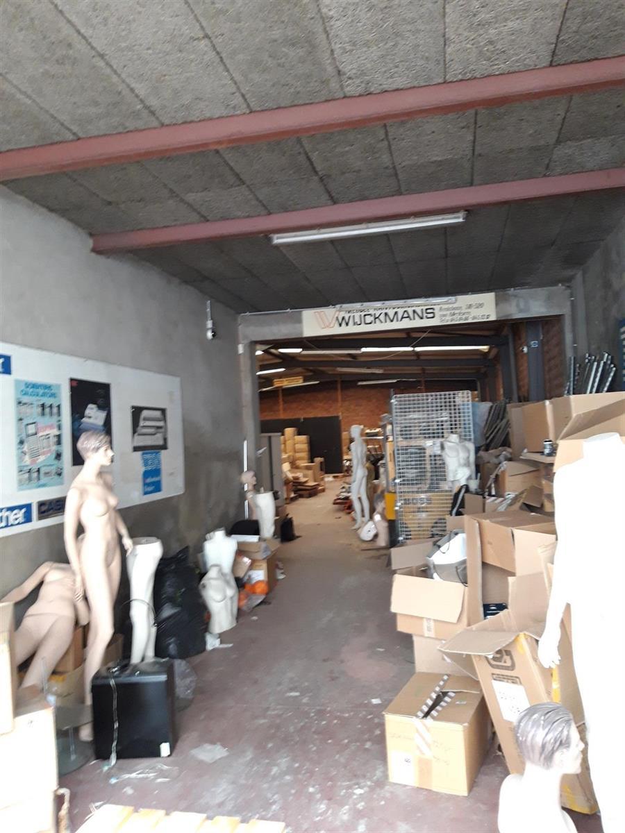 gebouw voor gemengd gebruik te koop Opslag met kantoorgebouw - Komiteitstraat , 2170 Antwerpen, België 3