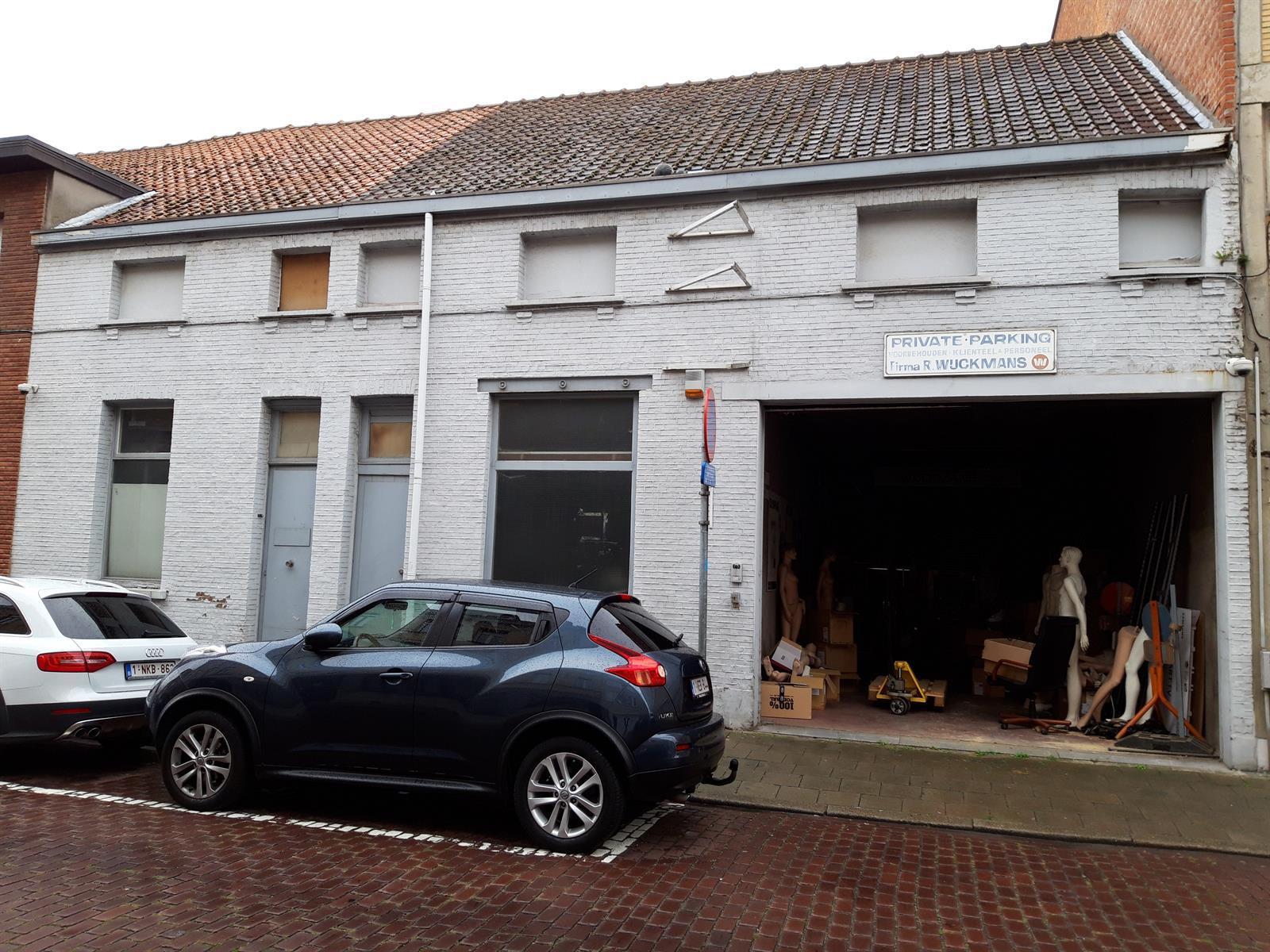 gebouw voor gemengd gebruik te koop Opslag met kantoorgebouw - Komiteitstraat , 2170 Antwerpen, België 1