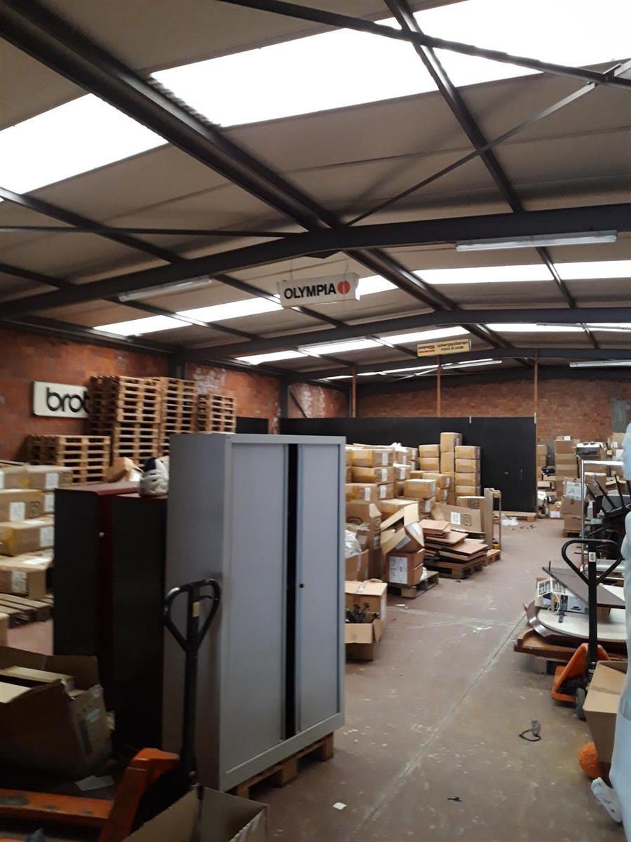 gebouw voor gemengd gebruik te koop Opslag met kantoorgebouw - Komiteitstraat , 2170 Antwerpen, België 5