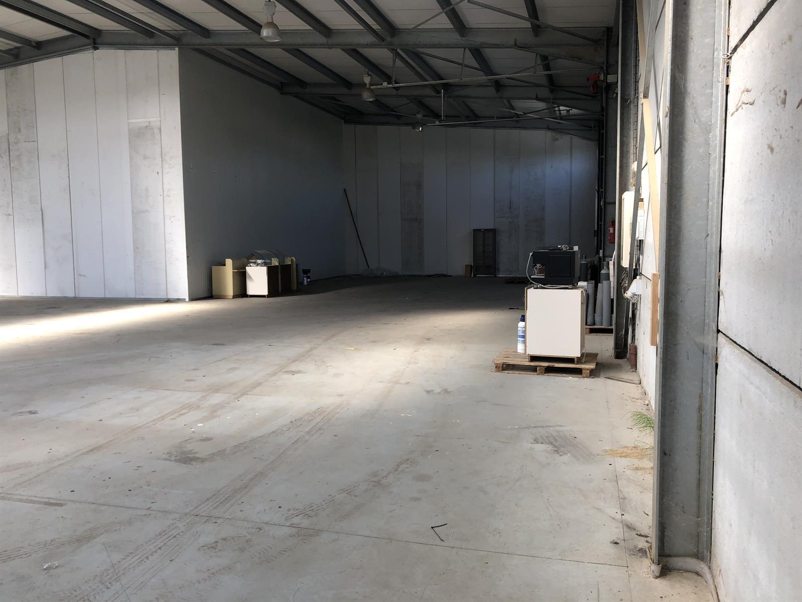 industrieel gebouw te huur Magazijn - Doornpark 38, 9120 Beveren, België 4