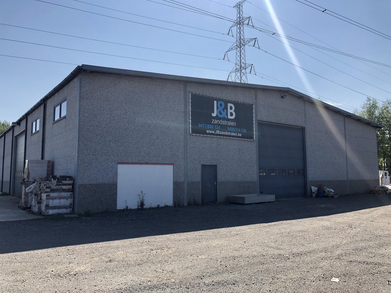 industrieel gebouw te huur Magazijn - Doornpark 38, 9120 Beveren, België 1