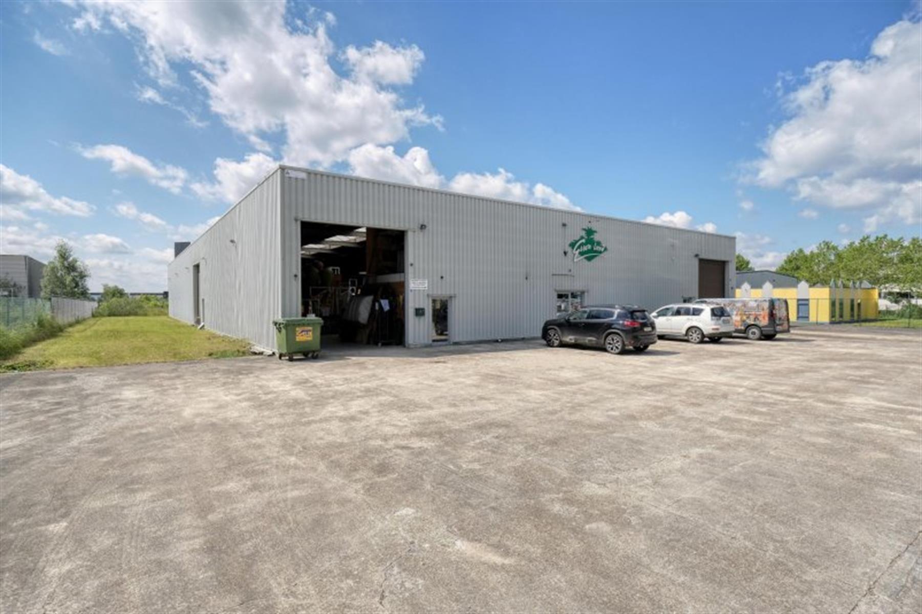 kantoren & magazijn te koop I123 - Magazijn met kantoorruimte - Centrum-Zuid 3203, 3530 Houthalen-Helchteren, België 1