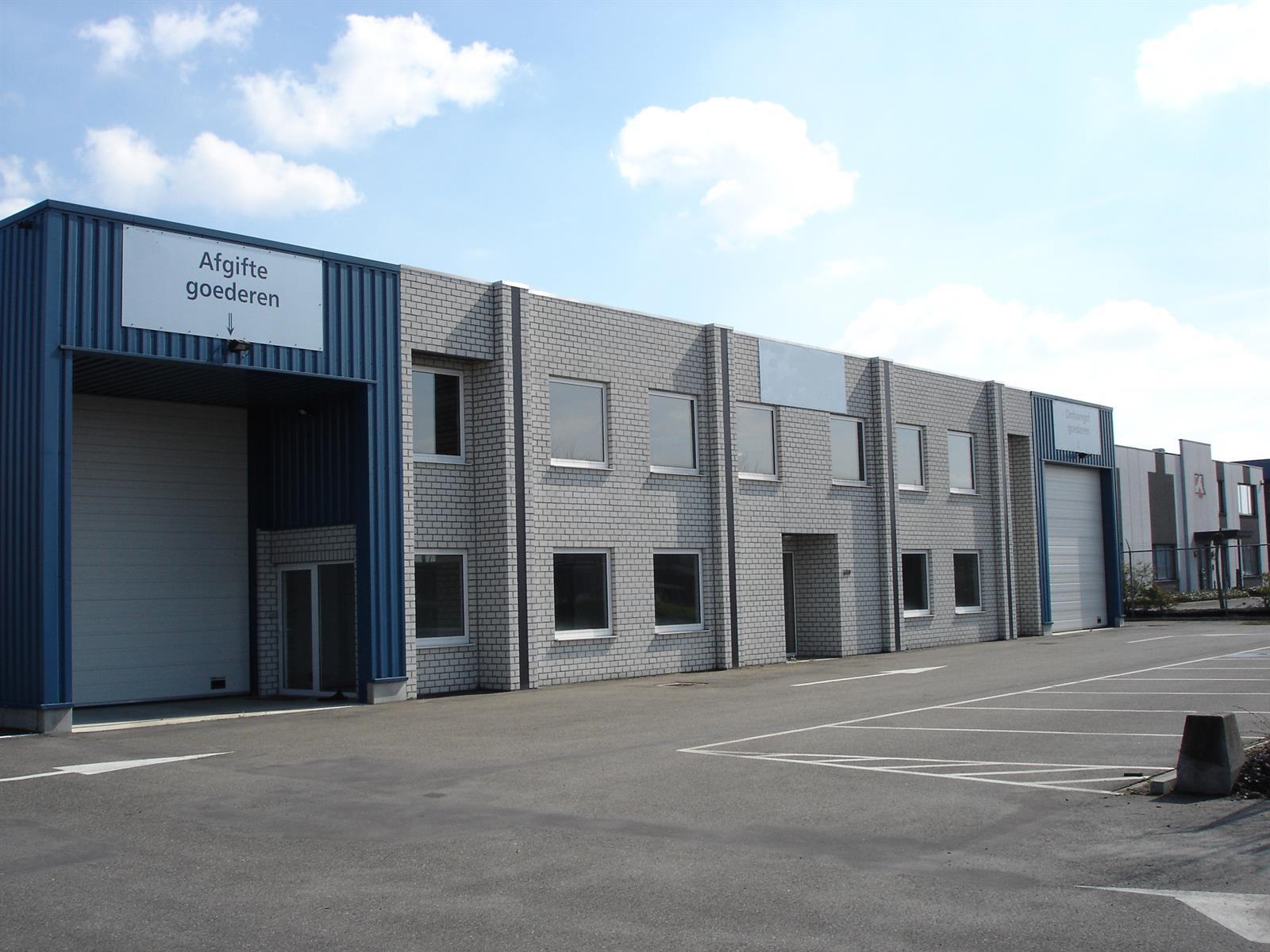 kantoren & magazijn te huur I145 - Magazijn met kantoor - Centrum-Zuid 3009, 3530 Houthalen-Helchteren, België 1