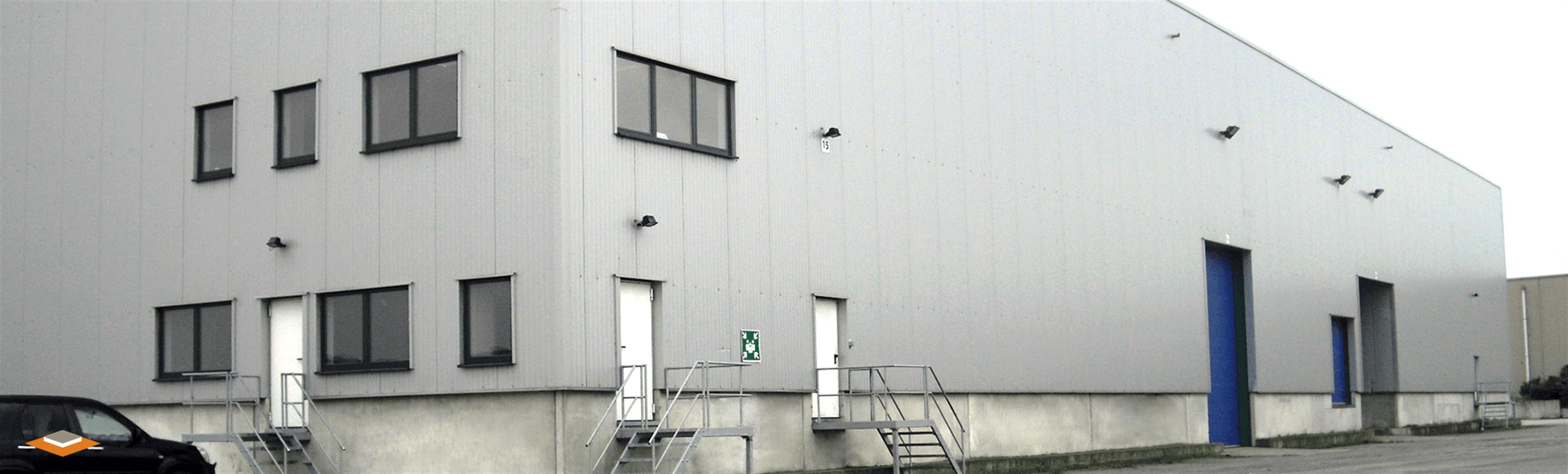 opslagplaats te huur TERHAGEN UNIT 1 MAGAZIJN MET KANTOOR MET LOADING DOCK - 2840 Rumst, België 2