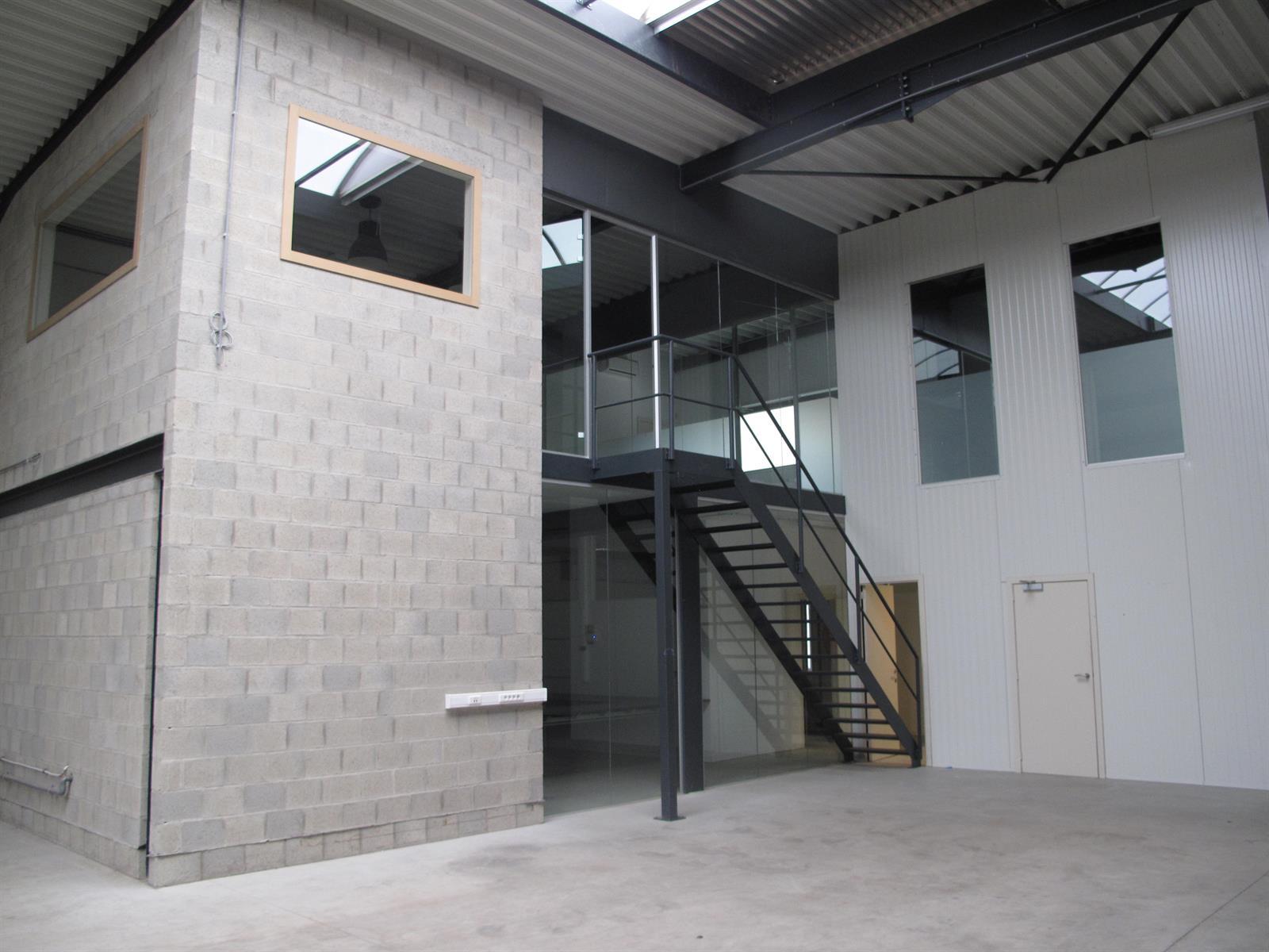 kantoren & magazijn te huur I136 - Oostmalsesteenweg  106 2A, 2520 Ranst Emblem, België 3