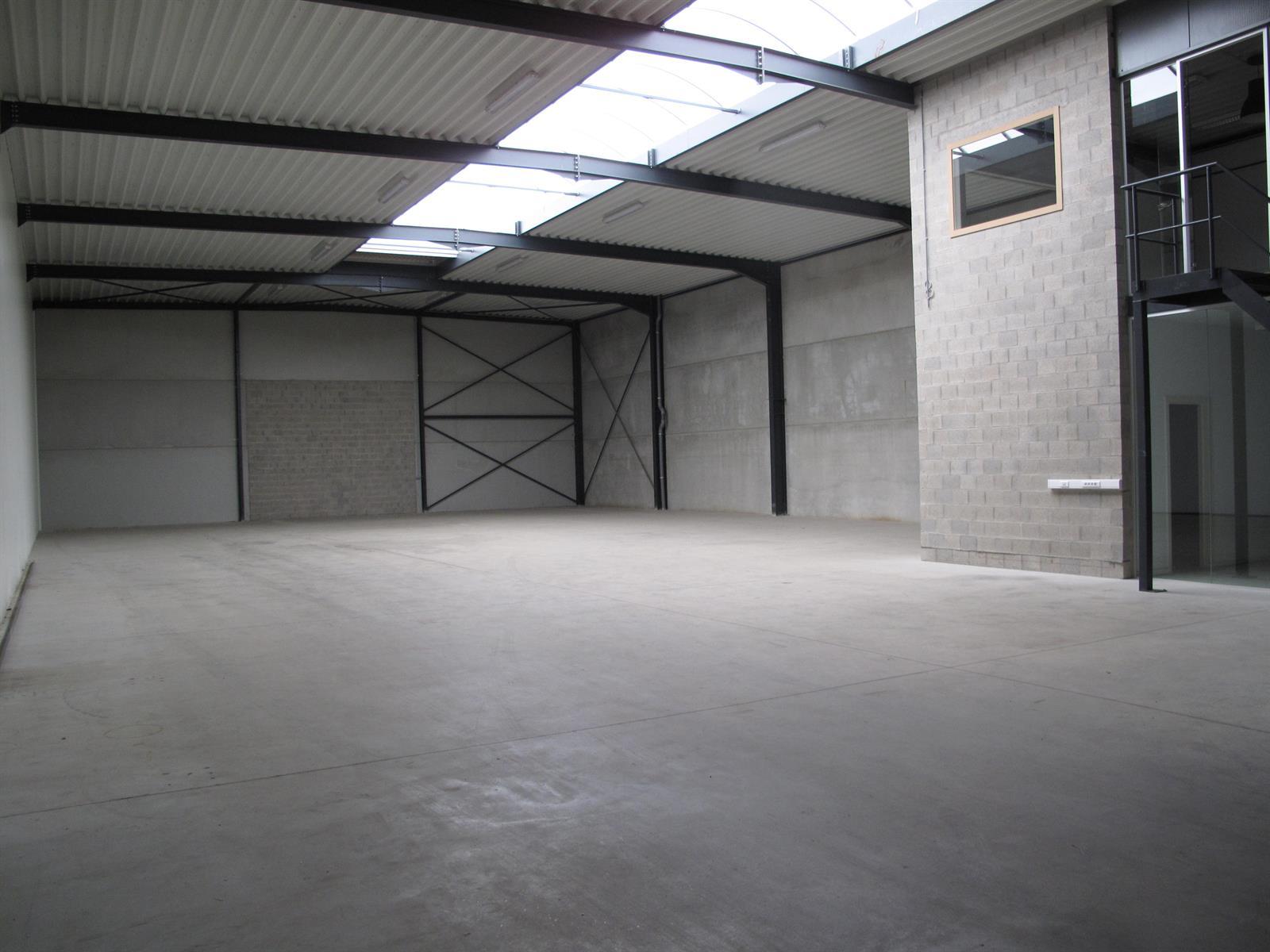 kantoren & magazijn te huur I136 Oostmalsesteenweg  106 2A