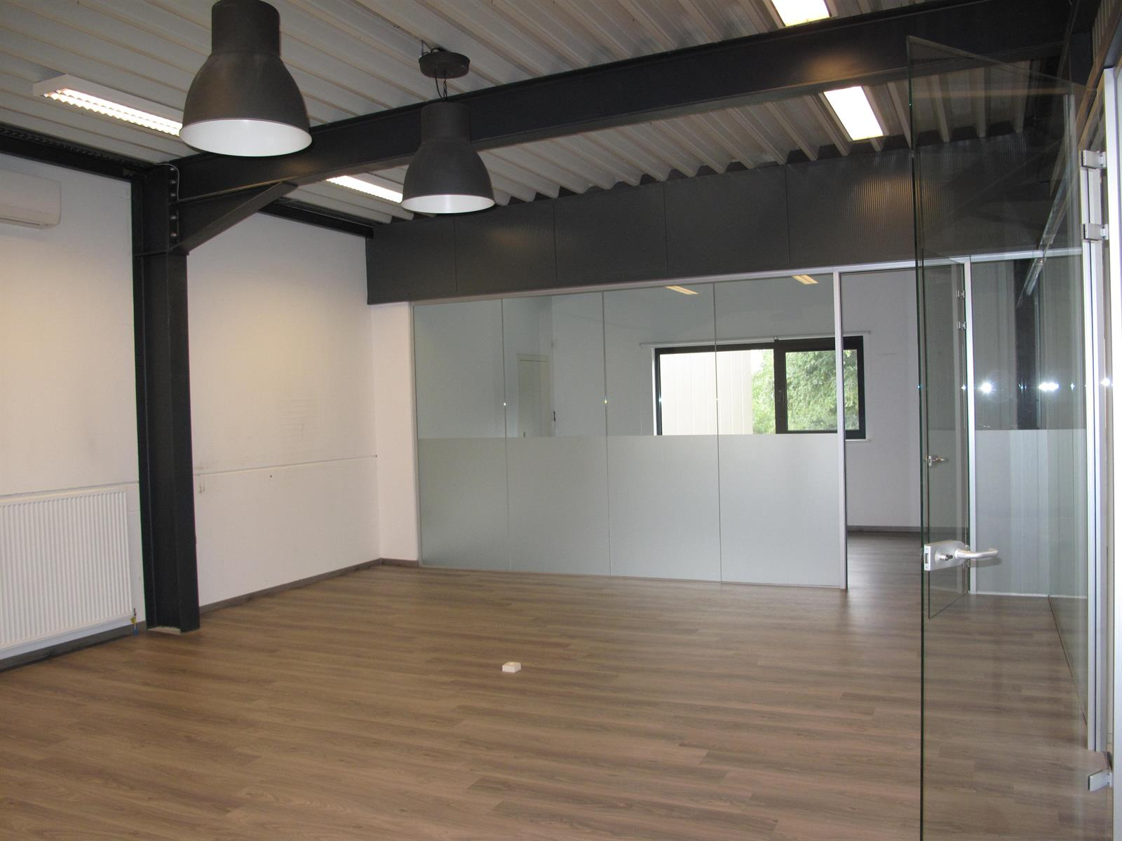kantoren & magazijn te huur I136 - Oostmalsesteenweg  106 2A, 2520 Ranst Emblem, België 4