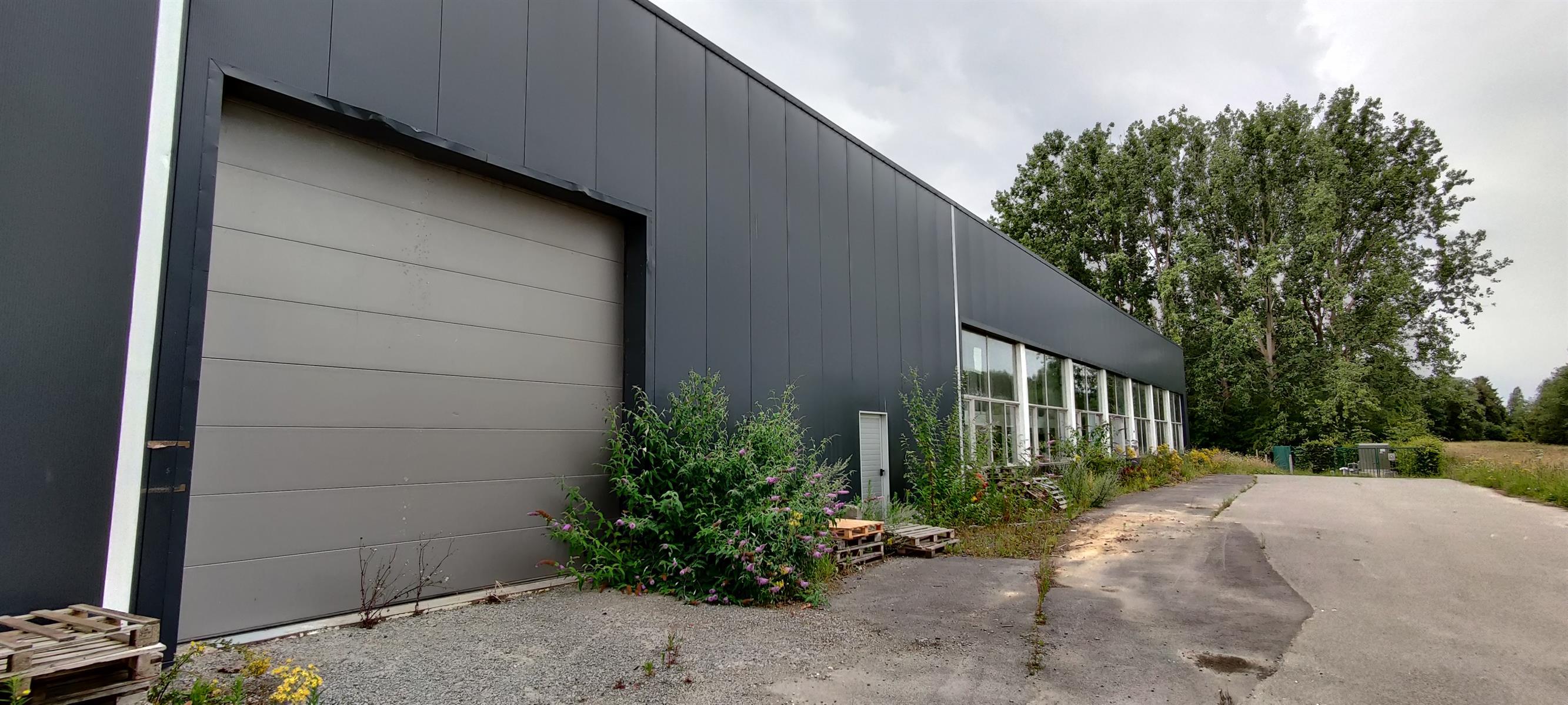 gebouw voor gemengd gebruik te huur I158 Lumbeekstraat 38