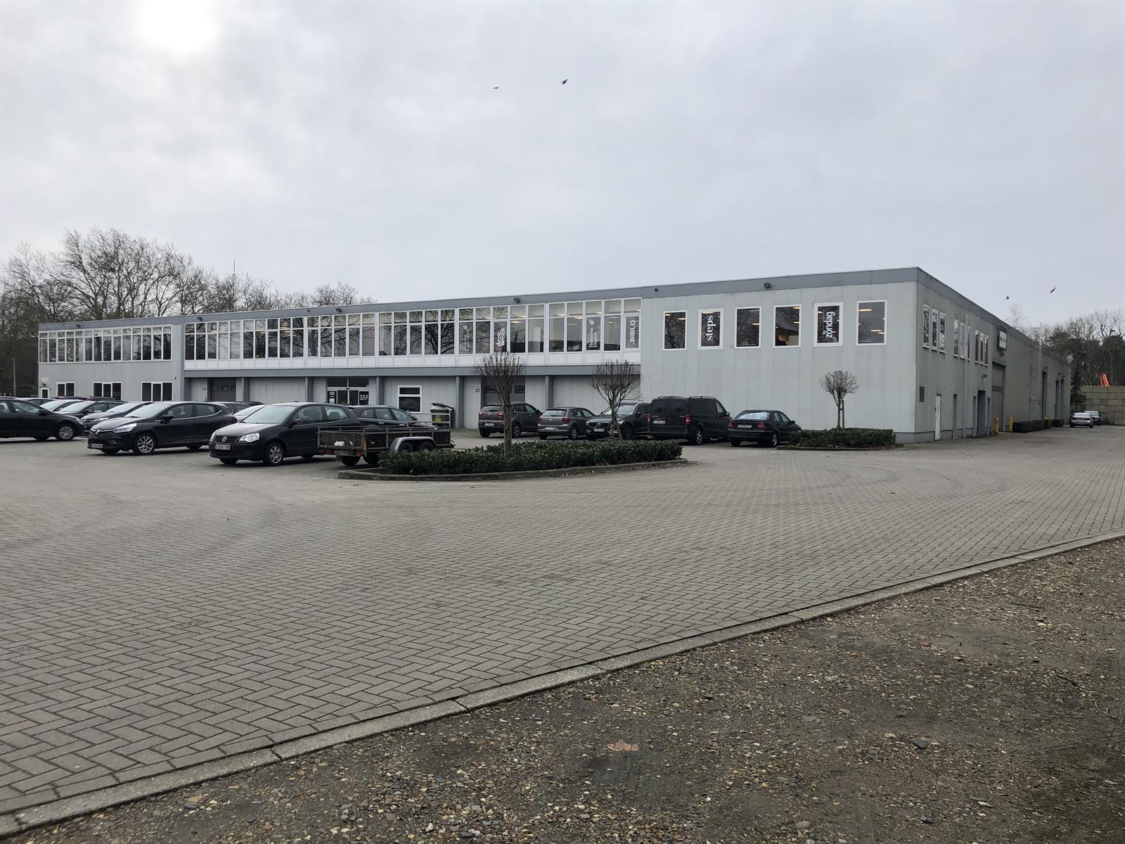 industrieel gebouw te huur I161 Wijnegembaan 2